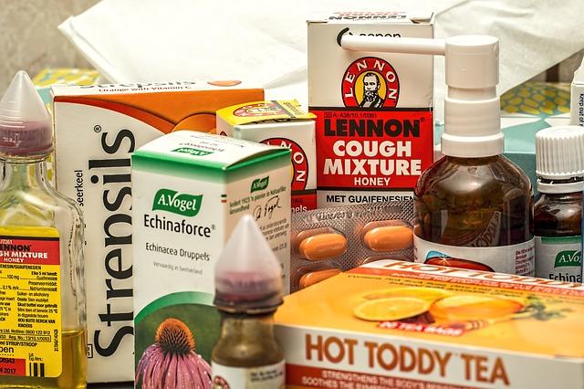 Jakie lekarstwa warto brać na grypę w pracy?
